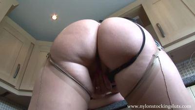 Elle Brook - Video 1 Pt 2